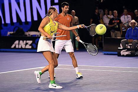 Azarenka partakes in Kids Tennis Day