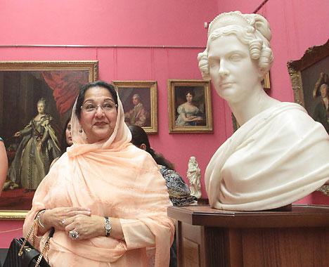 Begum Sahiba, the wife of Pakistan Prime Minister Nawaz Sharif, visited the National Art Museum of Belarus