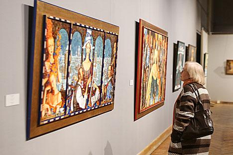 Roman Zaslonov's exhibition enjoys sell-out opening in Minsk