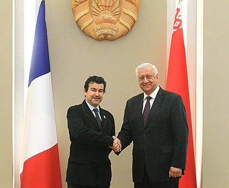 Myasnikovich suggests holding Belarus-France forum of regions in 2017