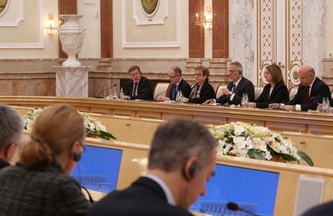 Lukashenko: Belarus will not choose between East and West