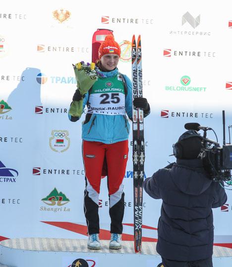 Победитель индивидуальной гонки на 10 км украинская биатлонистка Анна Кривонос