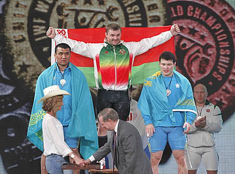 Белорус Вадим Стрельцов стал чемпионом мира по тяжелой атлетике