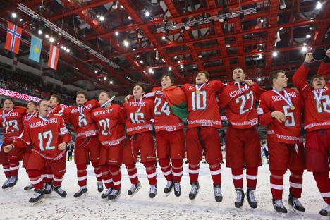 Юниорская сборная Беларуси (U-18) по хоккею выиграла у Германии и вышла в элитный дивизион ЧМ