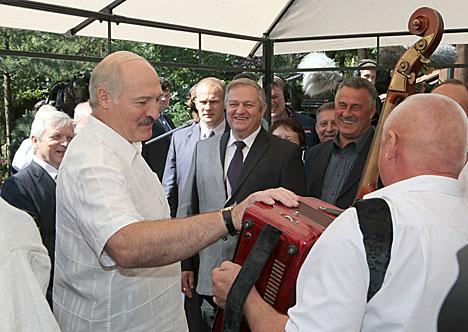 Лукашенко: Развитие агроэкотуризма поможет реанимировать неперспективные деревни