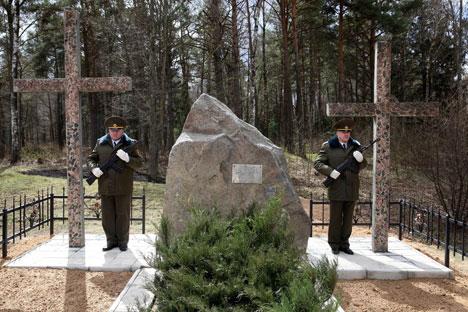 Во время торжественного митинга на месте захоронения итальянских солдат и офицеров в деревне Ореховно Глубокского района