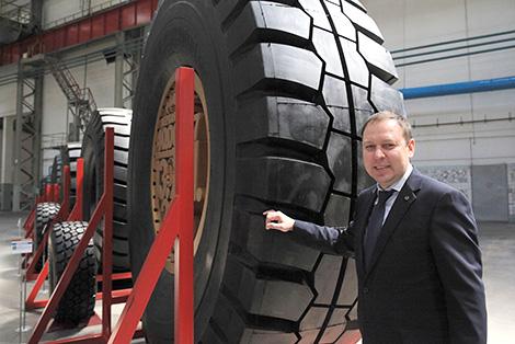 Belarusian Belshina rolls out gigantic tire