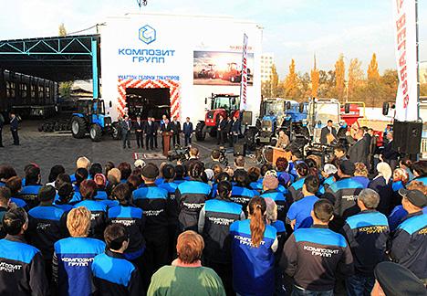 Kobyakov, Jeenbekov open MTZ assembly plant in Bishkek