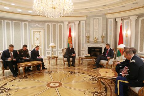 Лукашэнка разлічвае, што пазітыў, які намеціўся паміж Беларуссю і ЗША, стане новым этапам адносін