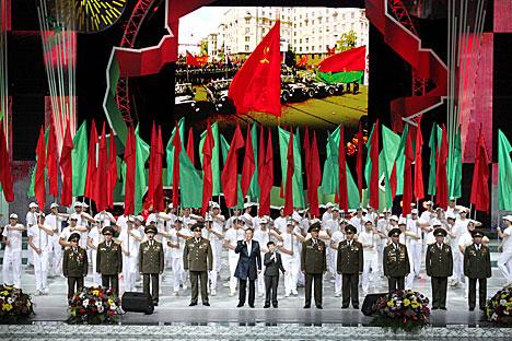 Урачысты сход, прысвечаны 70-й гадавіне вызвалення краіны ад нямецка-фашысцкіх захопнікаў і Дню Незалежнасці Беларусі