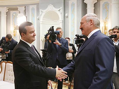 Лукашэнка лічыць, што да вырашэння ўкраінскага канфлікту павінны былі больш актыўна падключыцца кіраўнікі дзяржаў