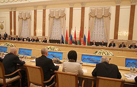 Лукашэнка прапануе максімальна задзейнічаць усе пляцоўкі СД для развіцця супрацоўніцтва