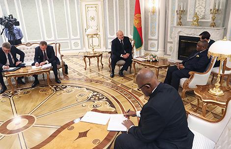 Лукашэнка: Беларусь зацікаўлена ў пашырэнні адносін з краінамі Афрыканскага кантынента