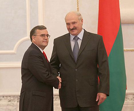 Лукашэнка прыняў даверчыя граматы пасла Уругвая ў Беларусі па сумяшчальніцтве