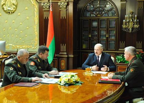 Лукашэнка адобрыў план прымянення рэгіянальнай групоўкі войскаў для разгляду на саюзным ВДС