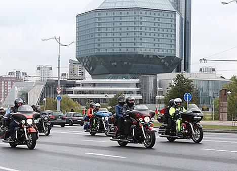 Лукашэнка на Harley-Davidson прыняў удзел у міжнародным байкерскім фестывалі