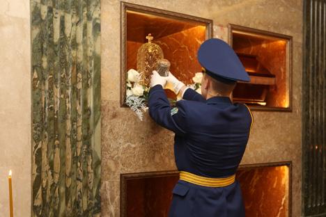 Капсулу з зямлёй з магілы Багдановіча заклалі ў храме з нагоды 125-годдзя з дня нараджэння паэта