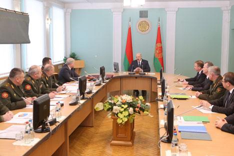 Прэзідэнт Беларусі Аляксандр Лукашэнка наведаў Міністэрства абароны