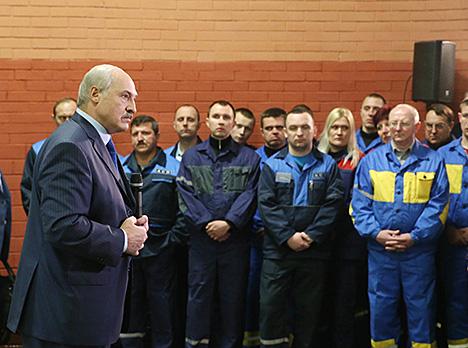 Лукашэнка: Беларусь пераадолее эканамічныя цяжкасці, захаваўшы мір і спакой у краіне