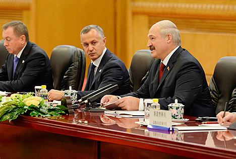 Лукашэнка дзякуе Сі Цзіньпіну за значны асабісты ўклад у развіццё беларуска-кітайскіх адносін