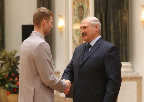 Лукашэнка: Дзяржава высока цэніць карпатлівую працу і дасягненні ў любой сферы дзейнасці