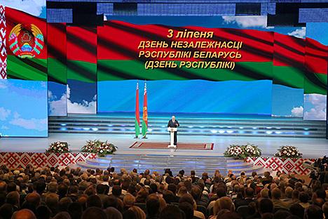 Лукашэнка: Галоўны паказчык дасягненняў суверэннай Беларусі - клопат аб людзях