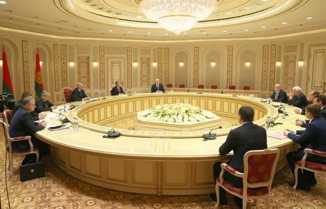 Лукашэнка: Беларусь і Іркуцкая вобласць павінны знайсці рэзервы для нарошчвання ўзаемнага гандлю