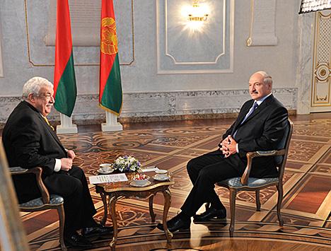 Аляксандр Лукашэнка і першы намеснік генеральнага дырэктара ТАСС Міхаіл Гусман