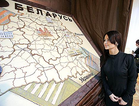 Шакаладная карціна з выявай карты Беларусі ў Нацыянальным гістарычным музеі