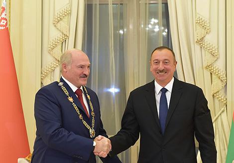 Лукашэнка ўзнагароджаны ордэнам Гейдара Аліева