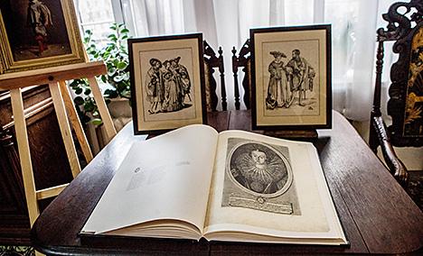 Cтарадаўнія нямецкія гравюры перададзены ў дар Музею гісторыі Брэста