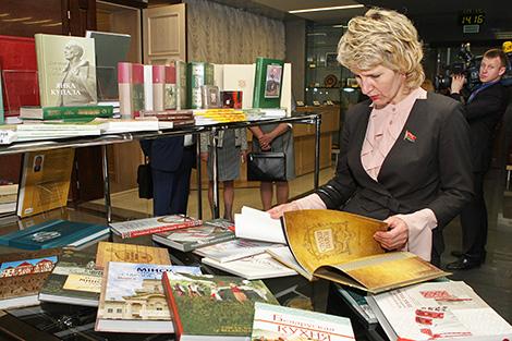 Выстаўка да 500-годдзя беларускага кнігадрукавання ў Савеце Рэспублікі Нацыянальнага сходу