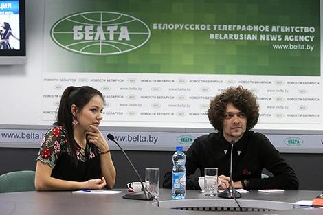 Група NaviBand - Арцём Лук'яненка і Ксенія Жук