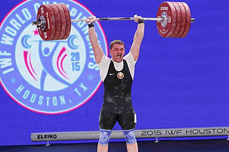 Беларус Вадзім Стральцоў стаў чэмпіёнам свету па цяжкай атлетыцы