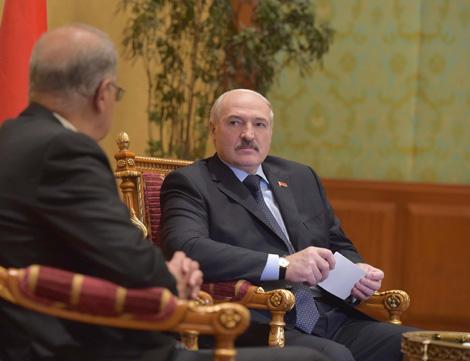 Лукашэнка: У аснову беларуска-егіпецкага супрацоўніцтва павінны быць пакладзены пытанні эканомікі і абароны