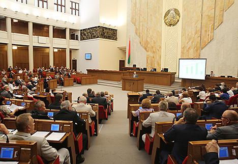 Сямашка: Асноўны ўклад у аднаўленне ВУП Беларусі дае прамысловасць