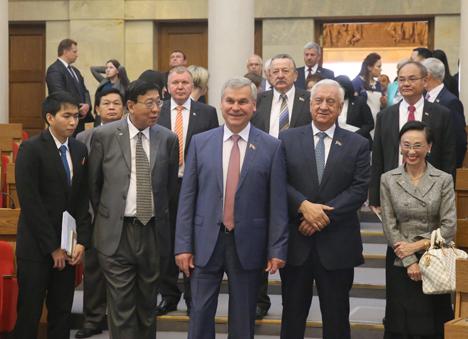 Мясніковіч: Беларусь зацікаўлена ў выбудоўванні роўных партнёрскіх адносін з Тайландам