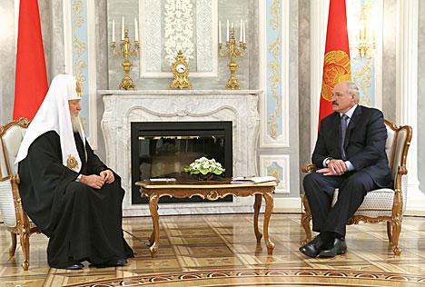 Лукашэнка: Беларусь будзе рабіць усё, каб спыніць братазабойчую вайну ва Украіне