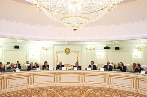 Калаур: Беларусь высока цэніць і імкнецца шырока выкарыстоўваць у эканоміцы тэхдапамогу МВФ і Сусветнага банка