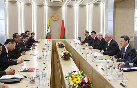 Мясніковіч: Беларусь мае намер больш актыўна выходзіць на сельскагаспадарчы рынак М'янмы