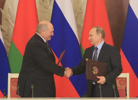 Лукашэнка: Беларусь і Расія абсалютна давяраюць адзін аднаму і не маюць закрытых тэм для абмеркавання