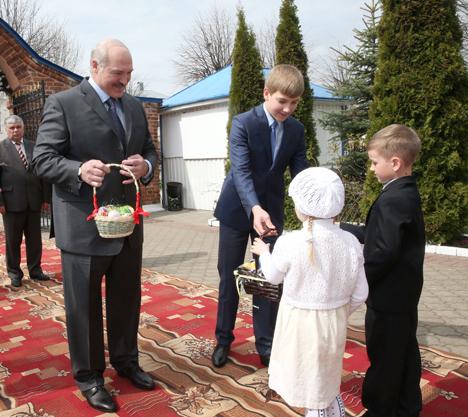 Лукашэнка ўдзячны свяшчэннаслужыцелям за ўклад у развіццё Беларусі