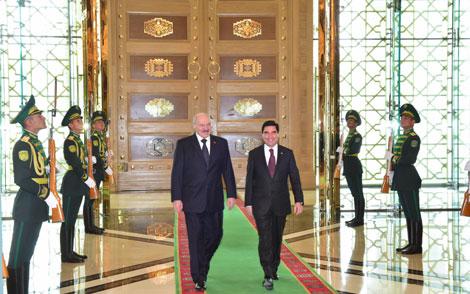 Бердымухамедаў: Беларусь і Туркменістан - перакананыя прыхільнікі міру, стабільнасці і бяспекі