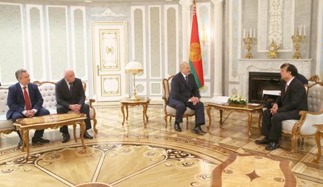 Лукашэнка: У пытанні кантролю за інтэрнэтам не павінна быць нацыянальнага эгаізму