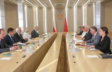 Мясніковіч: Беларусь зацікаўлена ў павелічэнні колькасці сумесных праектаў з Польшчай