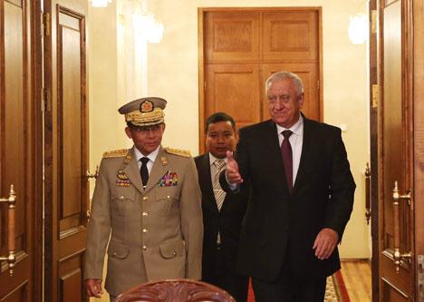 Прэм'ер-міністр Міхаіл Мясніковіч на сустрэчы з вярхоўным галоўнакамандуючым узброенымі сіламі М'янмы Мін Аунг Хлаінгам