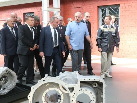 Лукашэнка: Дзяржава не мае намеру пакуль прадаваць МЗКЦ