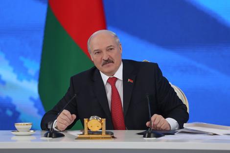 Лукашэнка: З-за няроўнасці цэн на беларускім і расійскім рынках Беларусь страціла $15 млрд