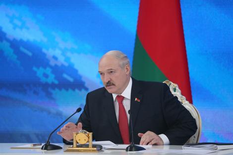 Лукашэнка паабяцаў прыйсці на Асамблею дзелавых колаў