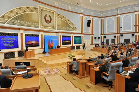 Лукашэнка: Беларускія прадпрыемствы па лініі кааперацыі даюць работу 10 млн расіян